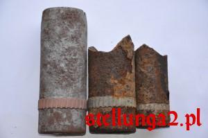 Szklanki od szrapneli carskich odnalezione na polach w Kucharach
